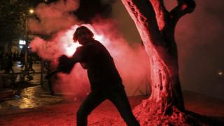 Βίαια επεισόδια στα Τίρανα: Τραυματίες στη μεγάλη διαδήλωση κατά του Ράμα