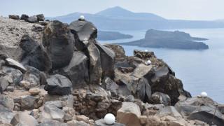 Τραγωδία στη Σαντορίνη: Δύο νεκροί από πτώση ΙΧ σε χαράδρα