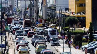 Αυξημένη η κίνηση τους δρόμους: Πού επικρατεί «κομφούζιο»