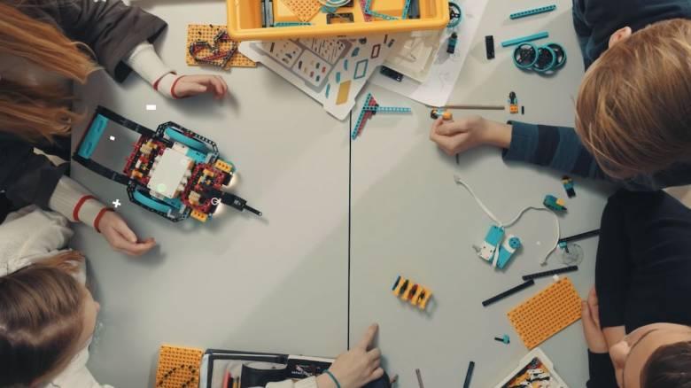 «Spike Prime»: Ένα εργαλείο που γνωρίζει σε μικρούς μαθητές τον κόσμο της ρομποτικής