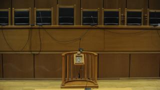 Κύκλωμα κοκαΐνης στο Κολωνάκι: Τι αποφάσισε το δικαστήριο για τον παρουσιαστή και τις δύο ηθοποιούς