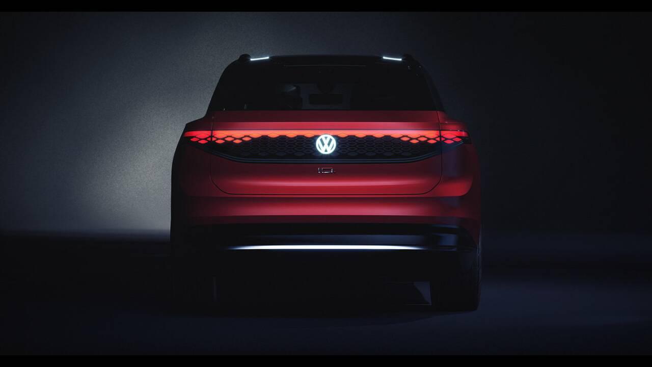 https://cdn.cnngreece.gr/media/news/2019/04/15/173038/photos/snapshot/VW-ID-ROOMZZ-28.jpg