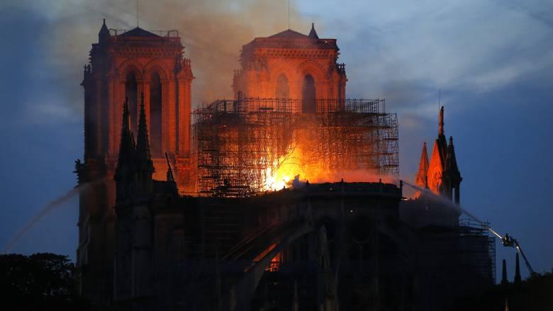 Παναγία των Παρισίων: «Στο πλευρό της Γαλλίας» η Unesco