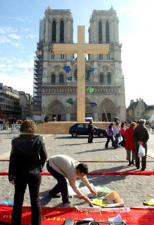 Οκτώβριος 2004, η γιορτή των Αγίων Πάντων.