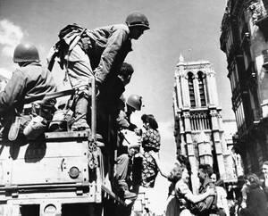 1944, οι Αμερικανοί μπαίνουν στο Παρίσι.