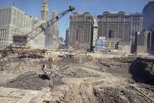 1968, Νέα Υόρκη.  Ξεκινά η ανέγερση του Παγκόσμιου Κέντρου Εμπορίου, των περίφημων Δίδυμων Πύργων.