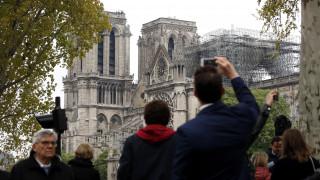 Παναγία των Παρισίων: Μυστήριο με την πυρκαγιά – Δεν υπήρχαν μέσα εργάτες όταν ξέσπασε