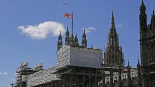 Παναγία των Παρισίων: Βρετανοί βουλευτές φοβούνται ότι το Ουέστμινστερ θα έχει την ίδια μοίρα
