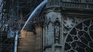 Παναγία των Παρισίων: Ο «Κολοσσός» που τα έβαλε με την πύρινη λαίλαπα