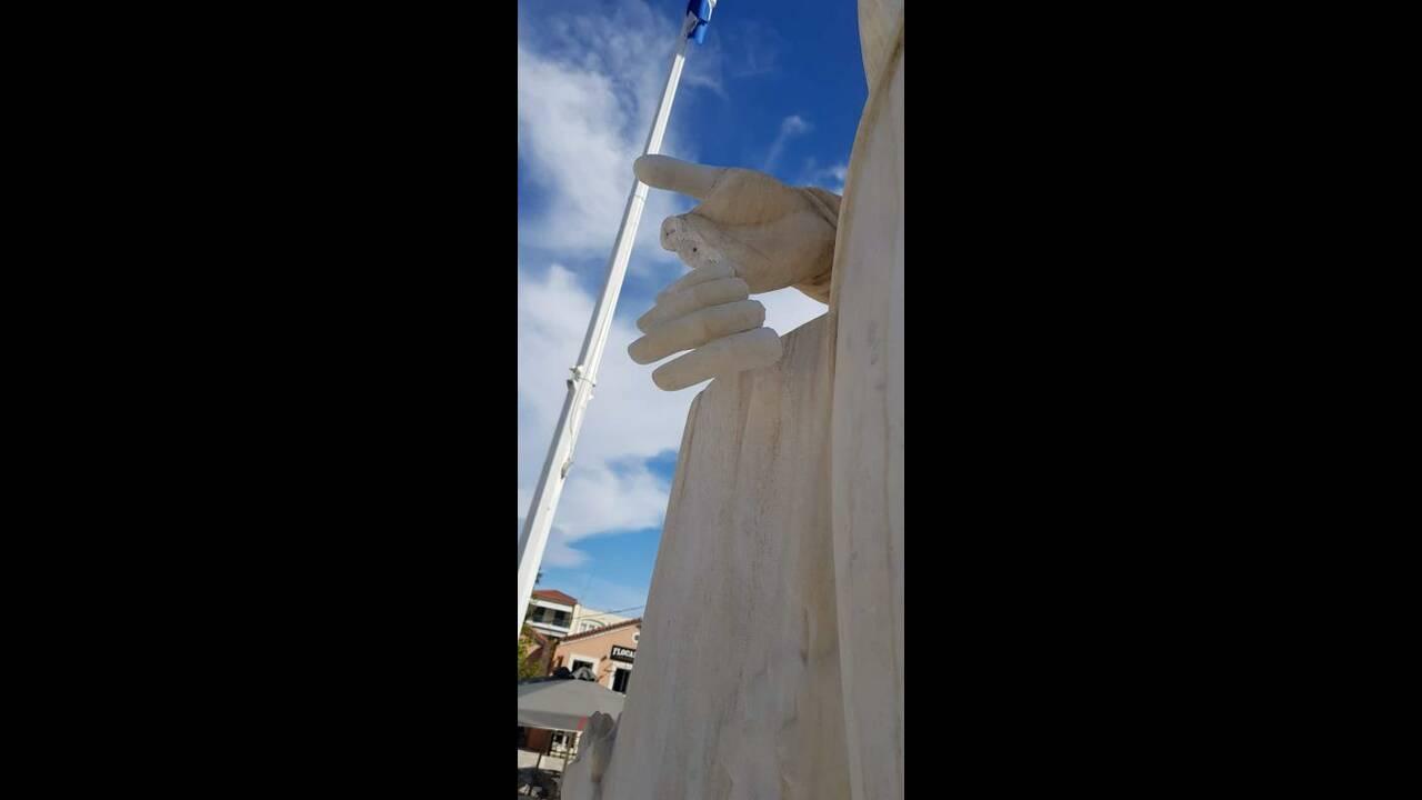 https://cdn.cnngreece.gr/media/news/2019/04/16/173267/photos/snapshot/kapodistrias-nafplio-2.jpg