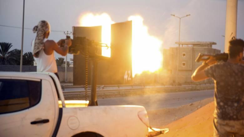 Λιβύη: Μάχες σε πολλές συνοικίες της Τρίπολης