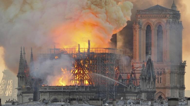 Παναγία των Παρισίων: Οι τζιχαντιστές του ISIS πανηγυρίζουν για την καταστροφή του Ναού