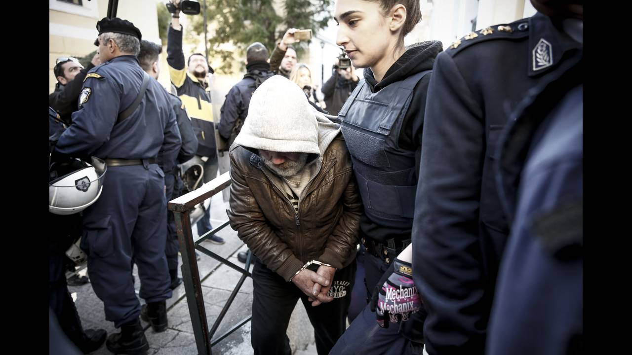 https://cdn.cnngreece.gr/media/news/2019/04/17/173284/photos/snapshot/zeb3.jpg