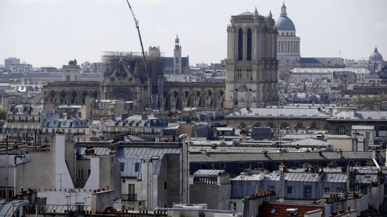 Παναγία των Παρισίων: Αντιδράσεις για το 1 δισ. δωρεών στη «Γαλλία των κίτρινων γιλέκων»