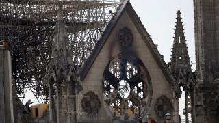 Παναγία των Παρισίων: Οι πυροσβέστες μπήκαν στο ναό σε λιγότερο από 10 λεπτά