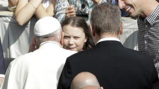Ο Πάπας Φραγκίσκος ενθάρρυνε 16χρονη υποψήφια για Νόμπελ να συνεχίσει τον αγώνα της για το κλίμα