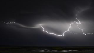 Άστατος ο καιρός και σήμερα: Προειδοποίηση για έντονα φαινόμενα