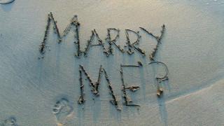Μια... διαφορετική πρόταση γάμου στην Κρήτη!