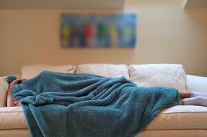 10. Το να θυμάσαι τα όνειρά σου είναι δείγμα καλού ύπνου: Έχει αποδειχθεί πως ο εγκέφαλος των ανθρώπων που θυμούνται συχνά τα όνειρα τους λειτουργεί περισσότερο από το κανονικό. Επίσης, οι εν λόγω άνθρωποι ξυπνούν δύο φορές πιο πολύ κατά τη διάρκεια της ν