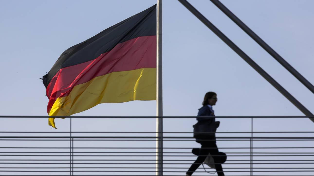 Γερμανοί πολιτικοί: Δικαιολογημένες οι ελληνικές απαιτήσεις για αποζημιώσεις