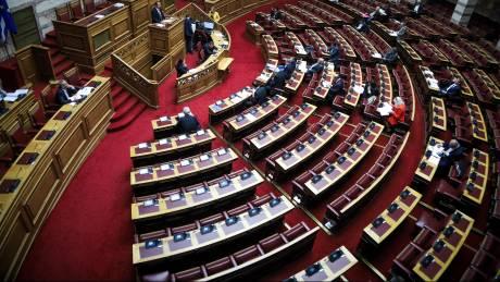 Ψηφίζει η ολομέλεια της Βουλής για την άρση βουλευτικής ασυλίας Λοβέρδου – Σαλμά – Φωκά