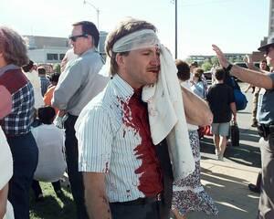 1995, Οκλαχόμα. η έκρηξη στο ομοσπονδιακό κτήριο Alfred Murrah στην Οκλαχόμα έχει αφήσει όλη την Αμερική μουδιασμένη, καθώς κανείς δεν ξέρει ποιος την προκάλεσε. Μέχρι στιγμής 19 άνθρωποι έχουν αναφερθεί νεκροί.