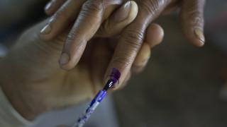 Ινδία: Έκοψε το δάχτυλό του γιατί ψήφισε λάθος κόμμα!