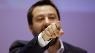 Η Λέγκα απειλεί να ρίξει την κυβέρνηση της Ιταλίας