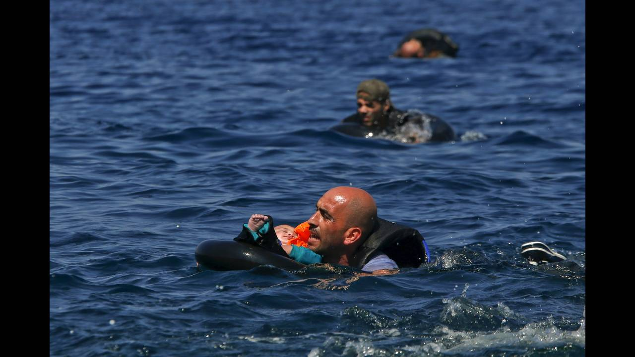 https://cdn.cnngreece.gr/media/news/2019/04/19/173643/photos/snapshot/2016-04-18T195248Z_103155132_GF10000387291_RTRMADP_3_EUROPE-MIGRANTS-GREECE.JPG