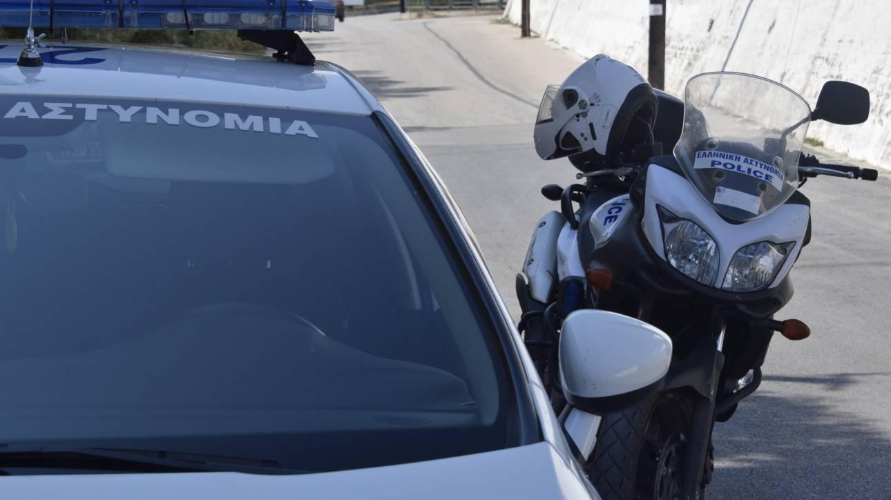 Βούλα: Επίθεση αγνώστων σε αστυνομικούς έξω από σχολείο