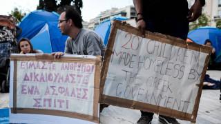 Αρνούνται να αποχωρήσουν από την πλατεία Συντάγματος οι πρόσφυγες