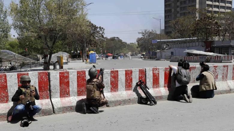 Ισχυρή έκρηξη και πυροβολισμοί στο κέντρο της Καμπούλ