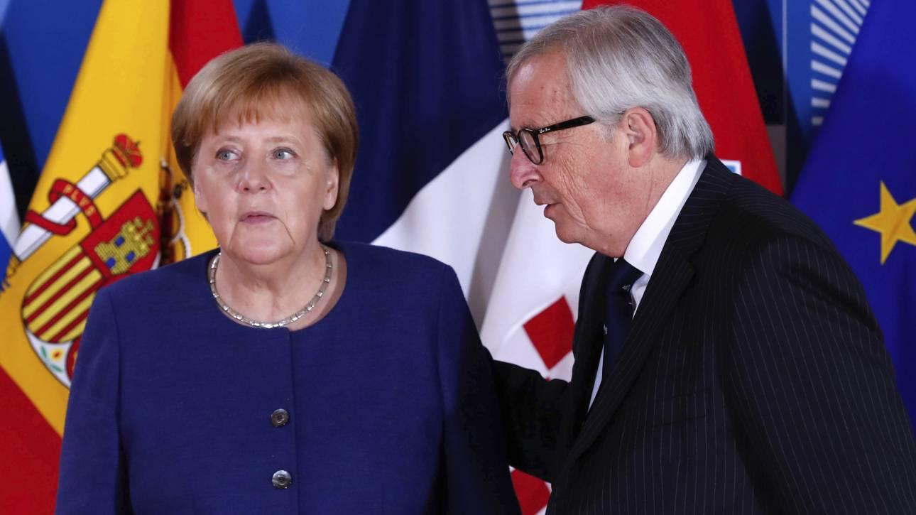 Γιούνκερ: Η Μέρκελ μπορεί να αναλάβει ρόλο σε ευρωπαϊκό επίπεδο