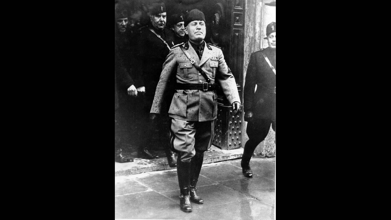 """1936, Ρώμη.  Ο Μπενίτο Μουσολίνι, στους εορτασμούς για τα 2.698 χρόνια από τη δημιουργία της """"Αιώνιας"""" πόλης."""