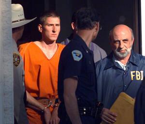 1995, Οκλαχόμα.  Ο Τίμοθι Τζέιμς ΜακΒέι στο δικαστήριο στο Πέρι, της Οκλαχόμα. Ο ΜακΒέι αναγνωρίστηκε ως ο βασικός ύποπτος για τη βομβιστική επίθεση στο Ομοσπονδιακό κτήριο της Οκλαχόμα.