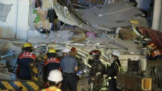 Ισχυρός σεισμός στις Φιλιππίνες: Τουλάχιστον 8 νεκροί και φόβοι για δεκάδες παγιδευμένους
