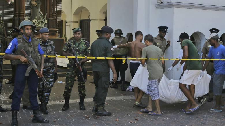 Χάος στη Σρι Λάνκα: Τουρίστες ψάχνουν απεγνωσμένα τρόπο να φύγουν
