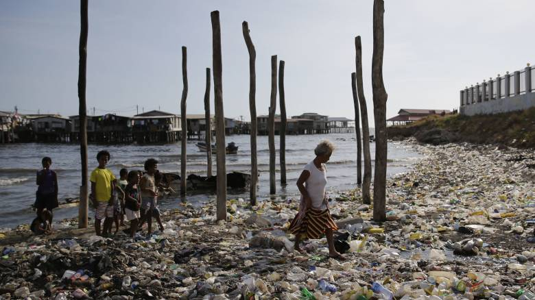 Χάος στην παγκόσμια βιομηχανία ανακύκλωσης λόγω Κίνας