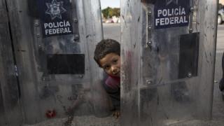 ΗΠΑ: Συνοριοφύλακες βρήκαν 3χρονο αγοράκι να περιφέρεται μόνο του στα σύνορα με το Τέξας