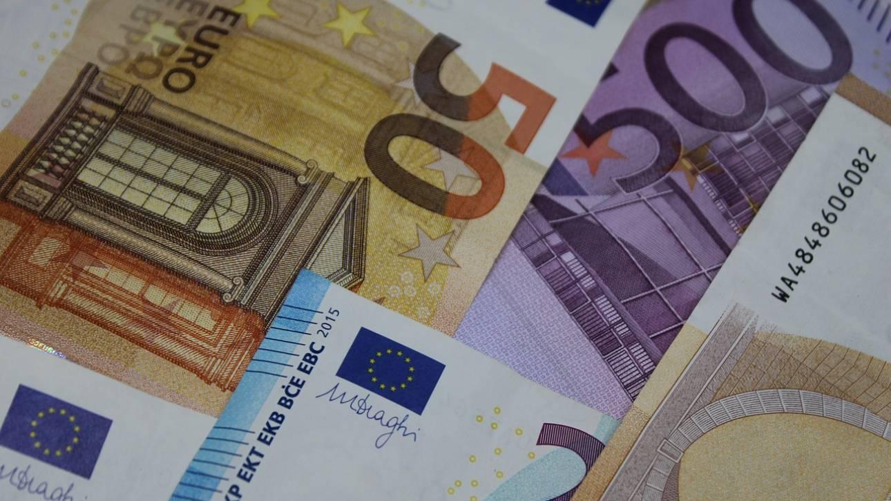 Στα 104,652 δισ. ευρώ τα ληξιπρόθεσμα χρέη προς την εφορία