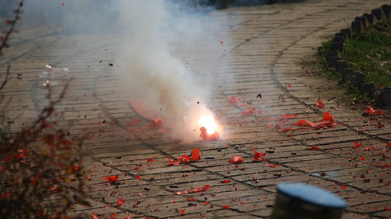 Κίνα: «Ξέκανε» με πυροτεχνήματα τα κουνέλια του γείτονά του και τώρα πρέπει να πληρώσει