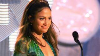 Πώς το αβυσσαλέο ντεκολτέ της J.Lo. δημιούργησε το Google Images