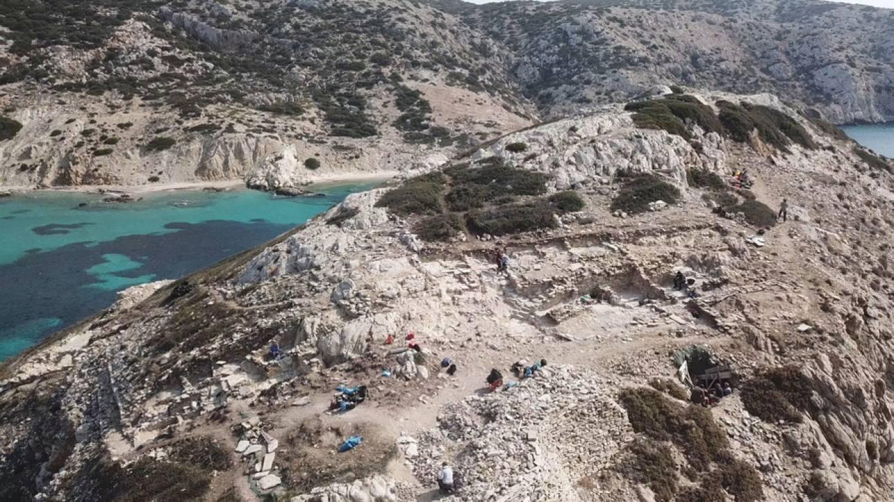 Κέρος: Η αρχαιολογική σκαπάνη αποκάλυψε εντυπωσιακά αρχιτεκτονικά λείψανα Πρωτοκυκλαδικού πολιτισμού