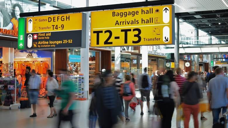 Στη… ζυγαριά οι επιβάτες πριν την πτήση; Μια αμφιλεγόμενη πρόταση για τη μείωση των εκπομπών άνθρακα