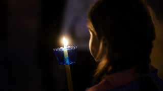 Πάσχα 2019: Με καθυστέρηση θα φτάσει το Άγιο Φως στην Ελλάδα