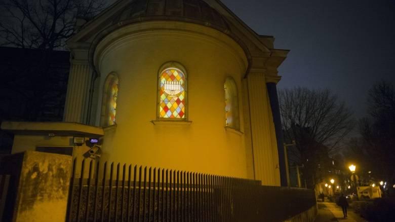 Πυροβολισμοί σε συναγωγή στο Σαν Ντιέγκο με τραυματίες
