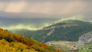 Εντυπωσιακές εικόνες: Το «Βόρειο Σέλας» στην… Ελασσόνα