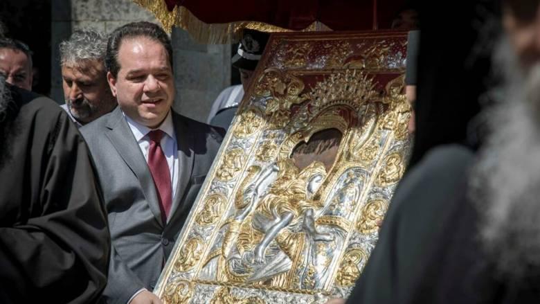 Αγιορείτικο τυπικό στη λιτανεία της Εικόνας «Άξιον Εστίν» στις Καρυές του Αγίου Όρους