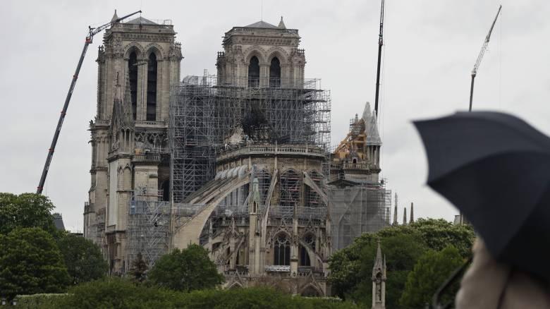 Ένας στους δύο Γάλλους θέλει η Παναγία των Παρισίων να μείνει ίδια μετά τις εργασίες αποκατάστασης
