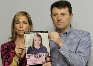 Πωλήθηκε από τους γονείς της: Μία άλλη θεωρία θέλει τους γονείς της μικρής, Κέιτ και Τζέρι Μακάν, να παίζουν ρόλο στην εξαφάνισή της. Ορισμένοι θεωρούν πως πωλήθηκε από τους γονείς της, οι οποίοι στη συνέχεια σκηνοθέτησαν την απαγωγή για να καλύψουν τα ίχ